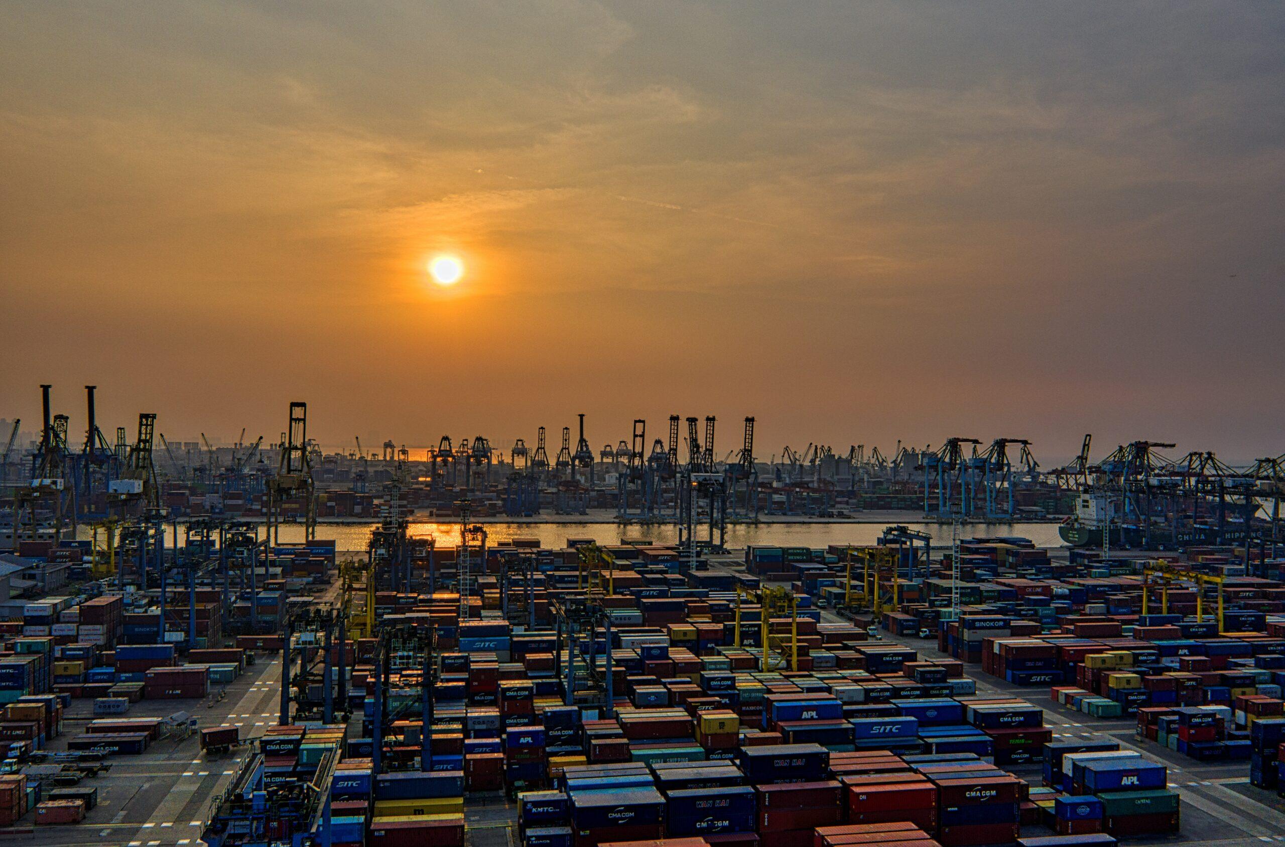 Quanto incide l'alto prezzo del trasporto in container sulla logistica e sui prezzi delle merci e come si ripercuote il basso livello di servizio sulla vita delle aziende italiane