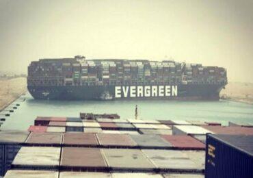 L'incidente nel canale di Suez provocherà ritardi e costi. Chi pagherà le conseguenze?